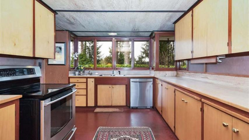 3635 Sunnycrest Drive, Canyon Heights NV, North Vancouver 2